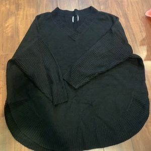 black v neck 3/4 sleeve sweater